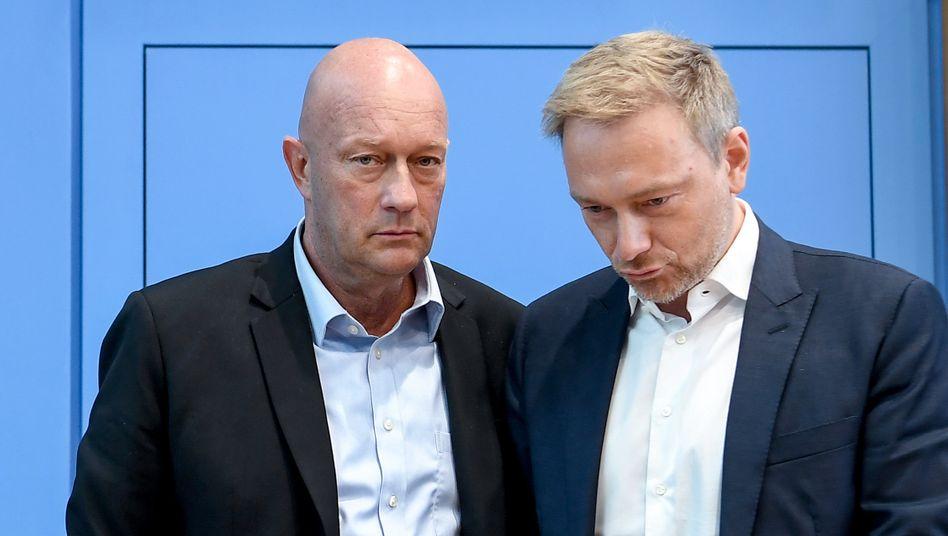 FDP-Vorsitzender Christian Lindner (r.) mit Thomas Kemmerich