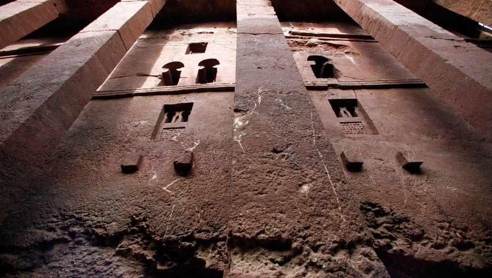 Äthiopien als Touristenziel: Felsenkirchen und Strohhütten