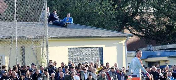 Zuschauer von Barmbek-Uhlenhost: Pöbel an der Anfield