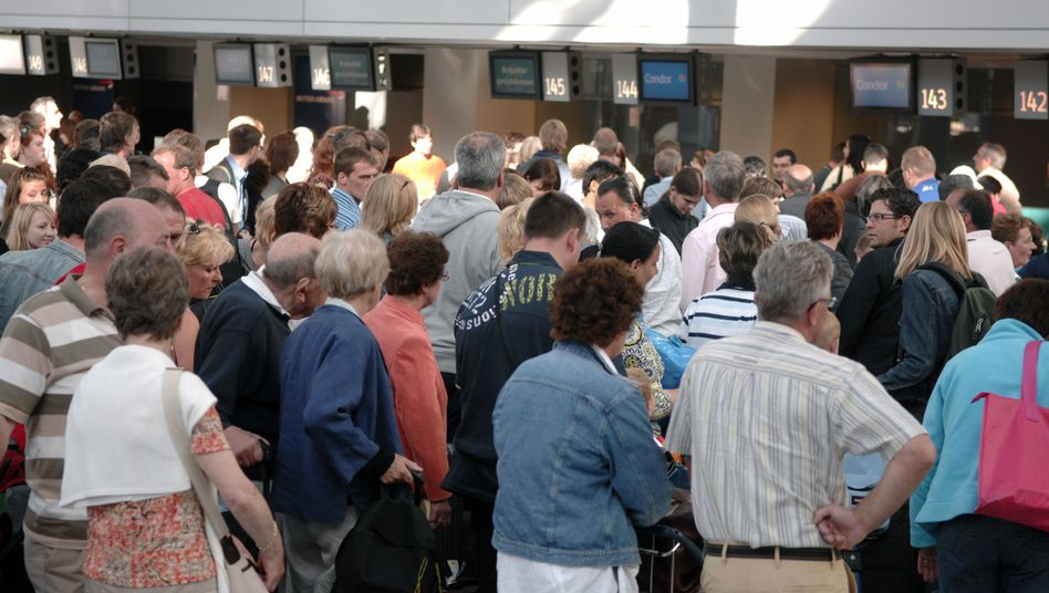 Flugpassagiere (in Düsseldorf, 2008): 1816 Flüge mehr als 180 Minuten verspätet