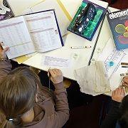 Chemieunterricht (in Frankfurt/Oder): Ost-Länder schneiden bei Pisa gut ab