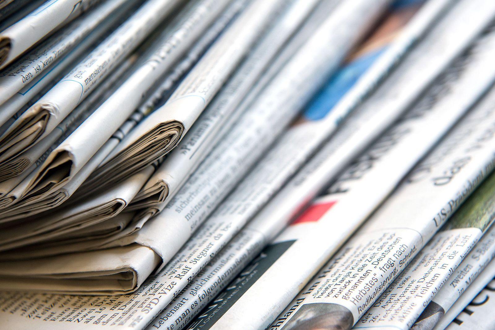 Zeitungen/ Medien