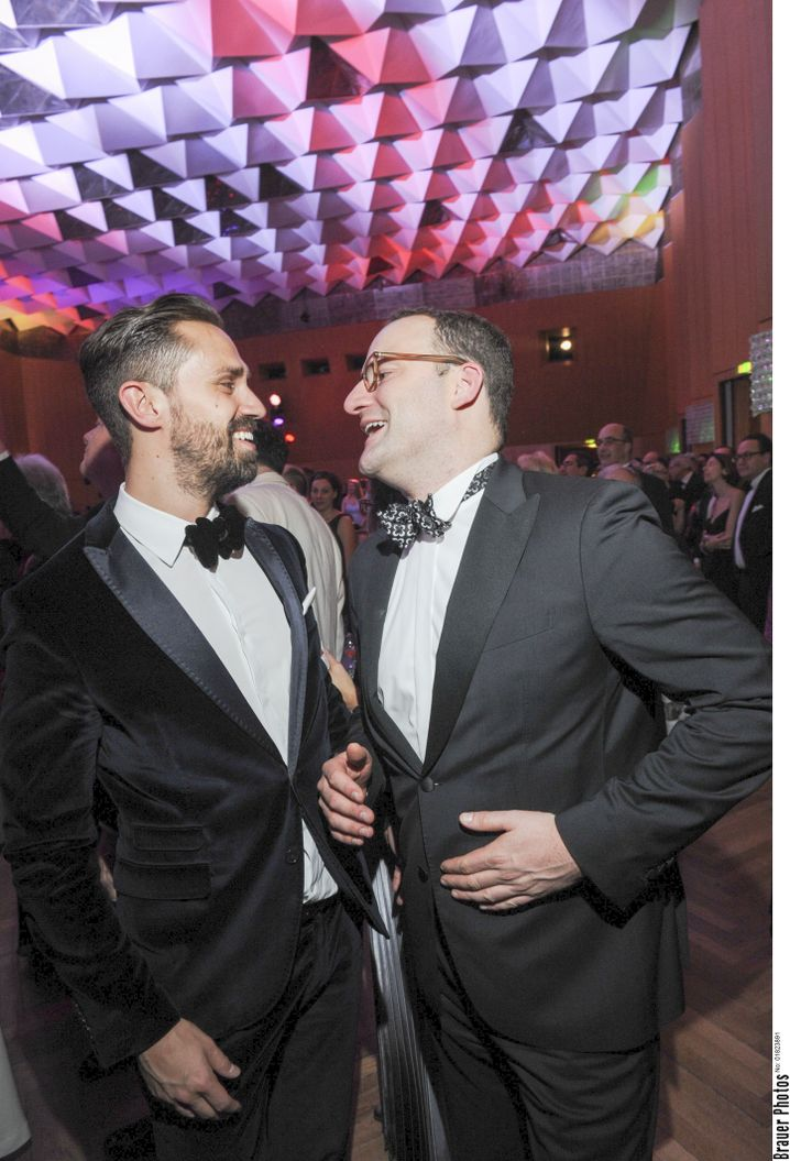 Party-Besucher Spahn mit seinem Partner Daniel Funke beim Ball der Union in Nürnberg