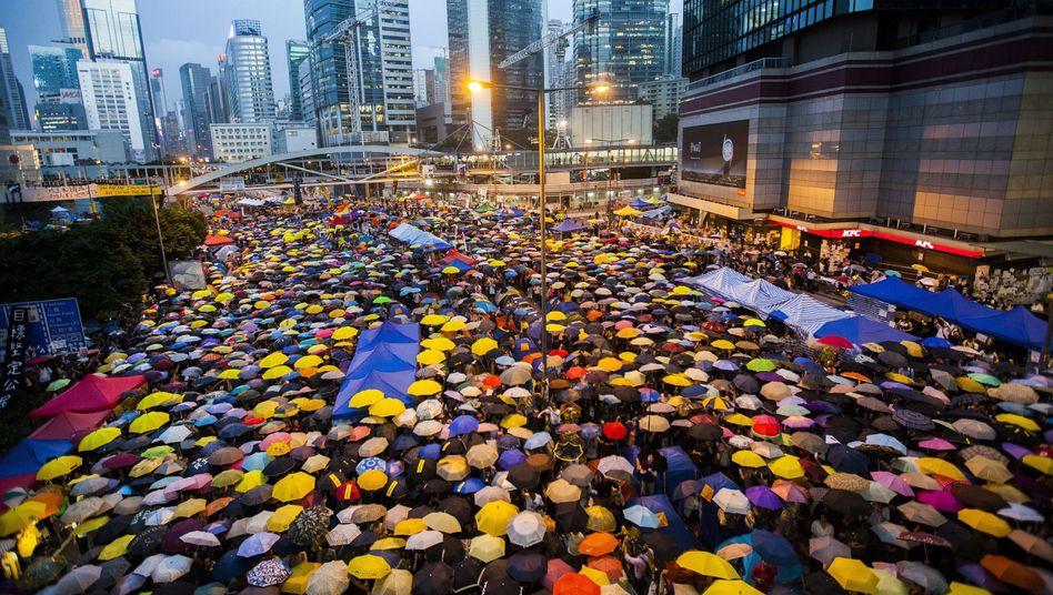 """""""Regenschirm""""-Protest 2014"""