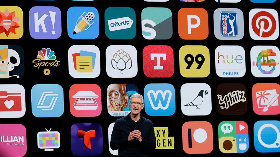 Apple-Chef Tim Cook bei einer Produktpräsentation. Der App Store ist einer der wesentlichen Erfolgsfaktoren von iPhone und iPad