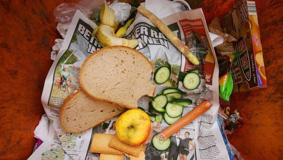Lebensmittel im Müll