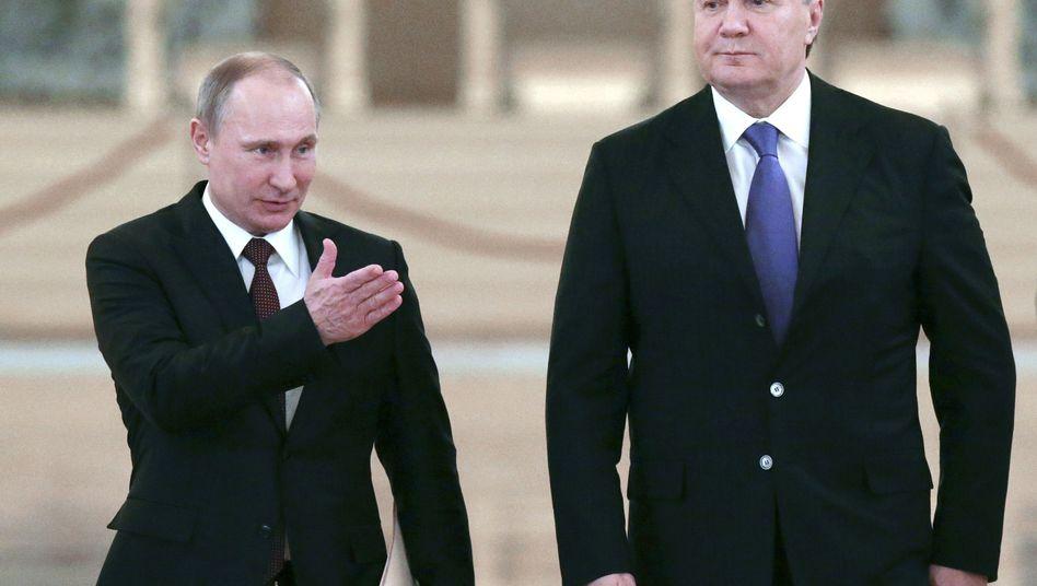 Putin und Janukowytsch (Archivbild): Er bat darum, nach Russland gebracht zu werden