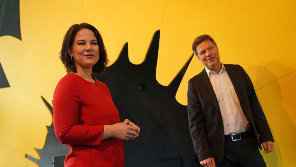 Annalena Baerbock und Robert Habeck (bei der Vorstellung des Entwurfs für das Grünen-Wahlprogramm)