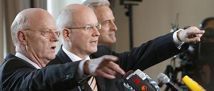 Fraktionschefs Struck, Kauder, Landesgruppenchef Ramsauer (im Februar 2008): Wohin steuert die Koalition?
