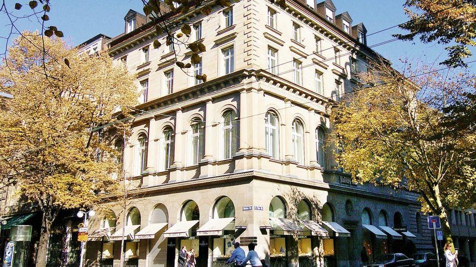 Bär-Zentrale in Zürich: Fragwürdige Überweisungen