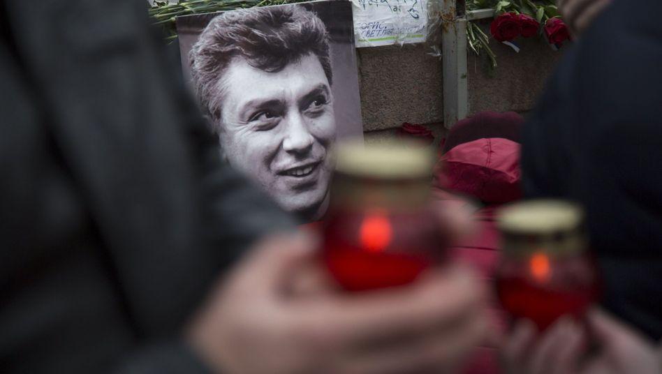 Trauer um Putin-Kritiker Nemzow: Zwei weitere Festnahmen