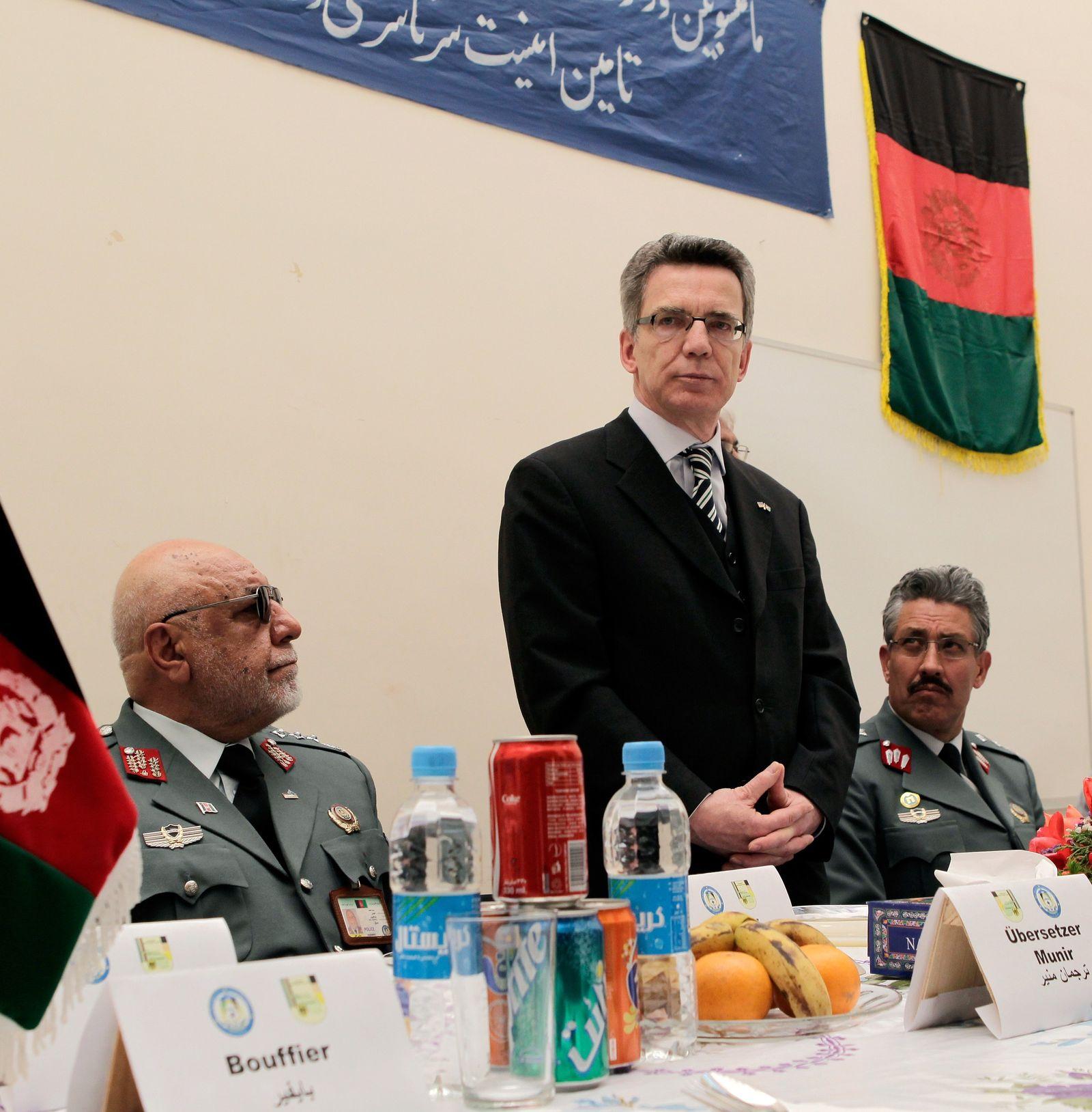Innenminister de Maiziere besucht Afghanistan