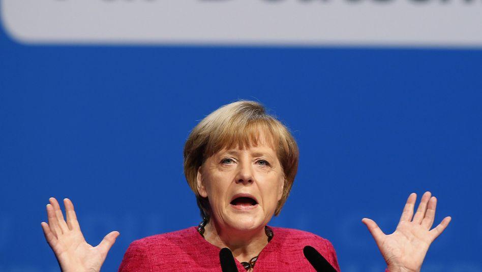 Wahlkampfabschluss der CDU: Merkel wehrtsich gegen Euro-Gegner
