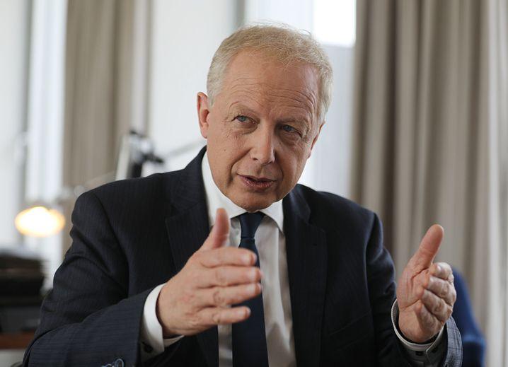 WDR-Intendant Tom Buhrow verteidigt in einem Interview die Hauspolitik seines Senders