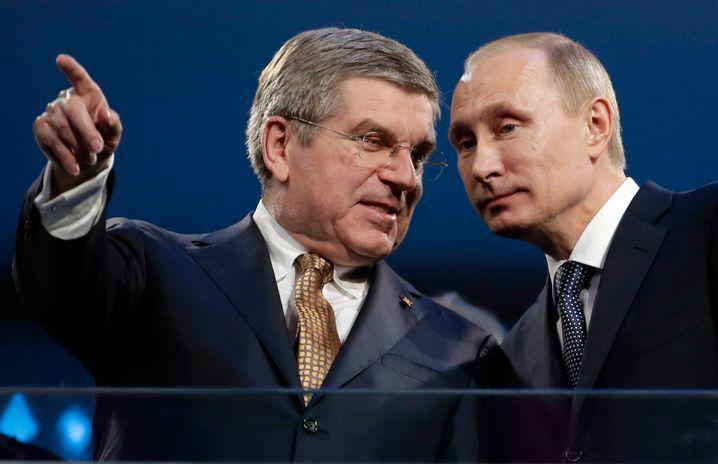 Nah an der großen Politik: Thomas Bach (l.) mit Russlands Präsident Wladimir Putin