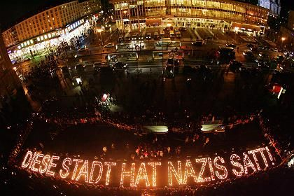 Kerzenbotschaft: Lichter gegen das Vergessen