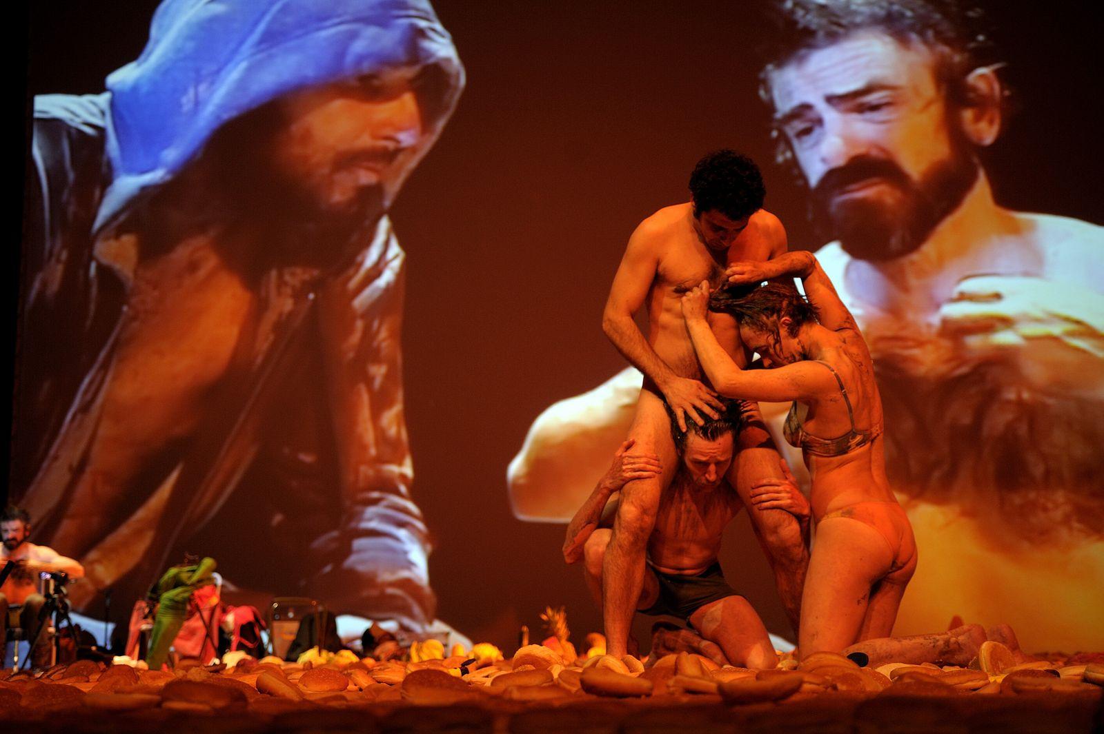 EINMALIGE VERWENDUNG Golgota Picnic/ Thalia Theater
