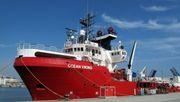 """Italienische Küstenwache setzt offenbar Rettungsschiff """"Ocean Viking"""" fest"""