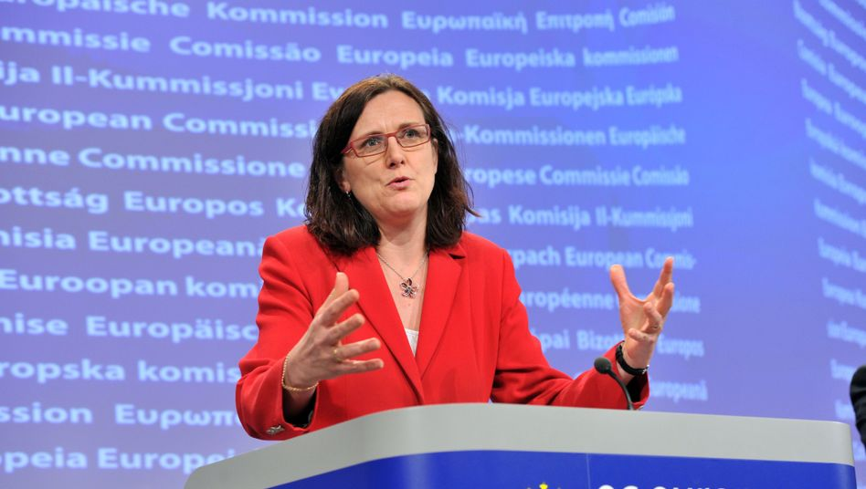 EU Commissioner for Home Affairs Cecilia Malmström wants to fight right-wing extremism.