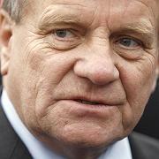 Bahn-Chef Mehdorn: Personifizierte Kritik zulässig