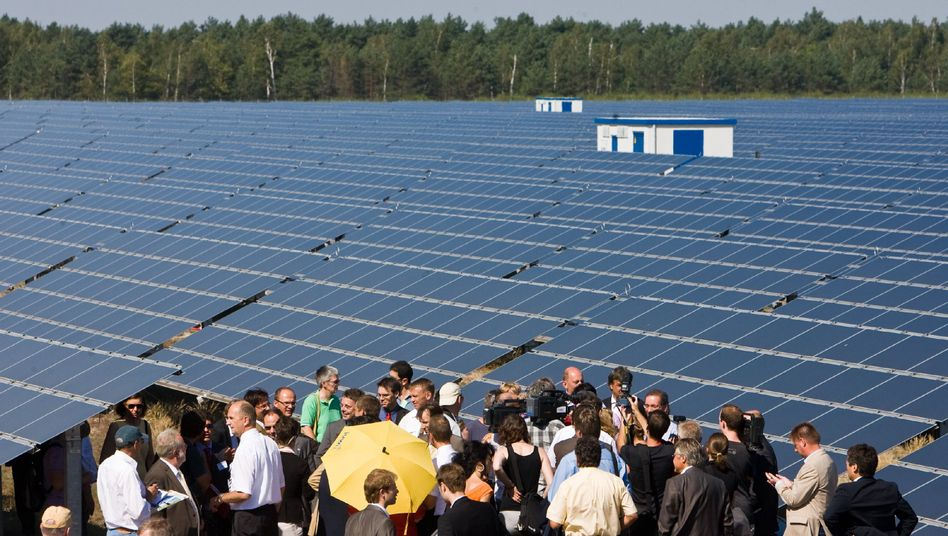 Germany's largest solar power plant is located in the state of Brandenburg: The eastern states are doing better than some expected 20 years after reunification.