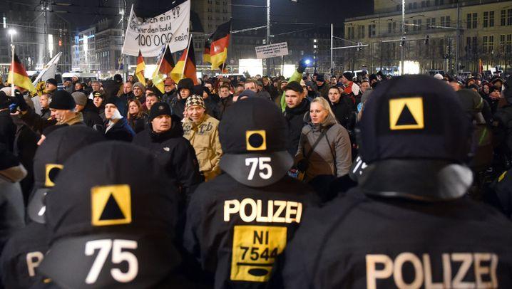Legida-Aufmarsch: Angespannte Lage in Leipzig
