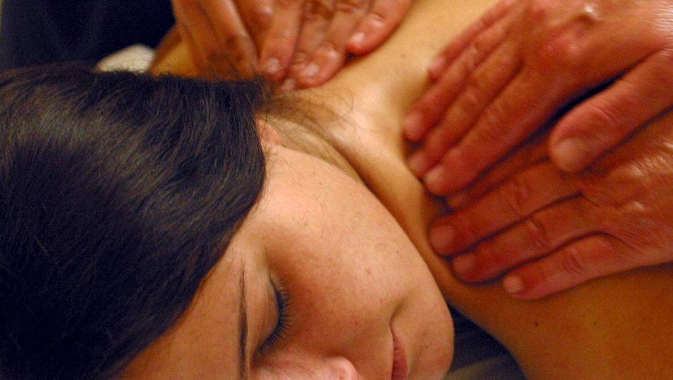 """Massage im Wellness-Hotel: Für """"Trainees"""" nicht immer ein Arbeitsplatz zum Wohlfühlen"""