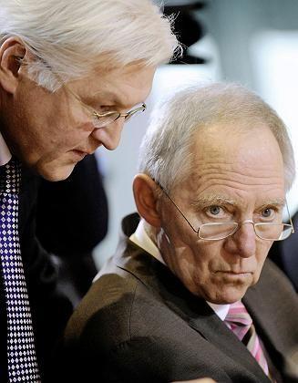 Außenminister Frank-Walter Steinmeier und sein Kollege Schäuble: Kooperieren statt streiten