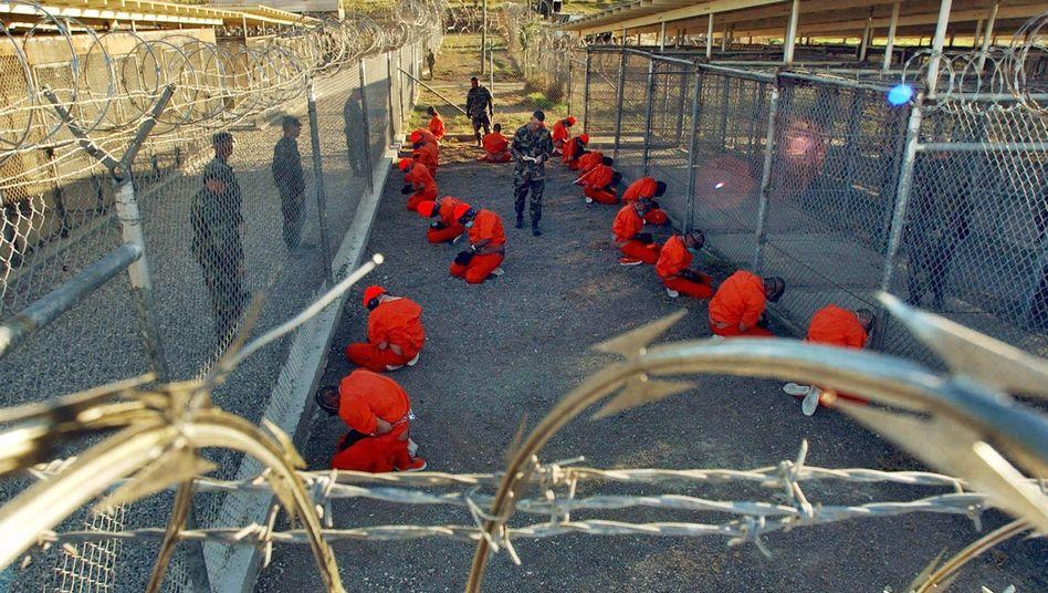 Gefangene in Guantanamo (Archivbild): Die Schließung des Lagers verzögert sich