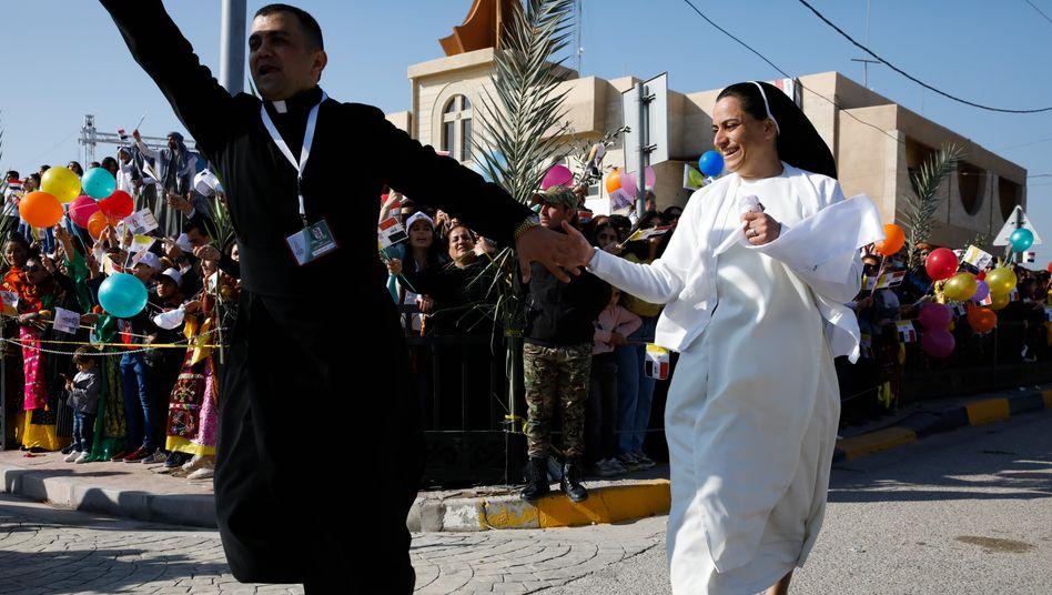 Priester Roni Salim Momika in Karakosch: Papstbesuch als Zeichen der Solidarität