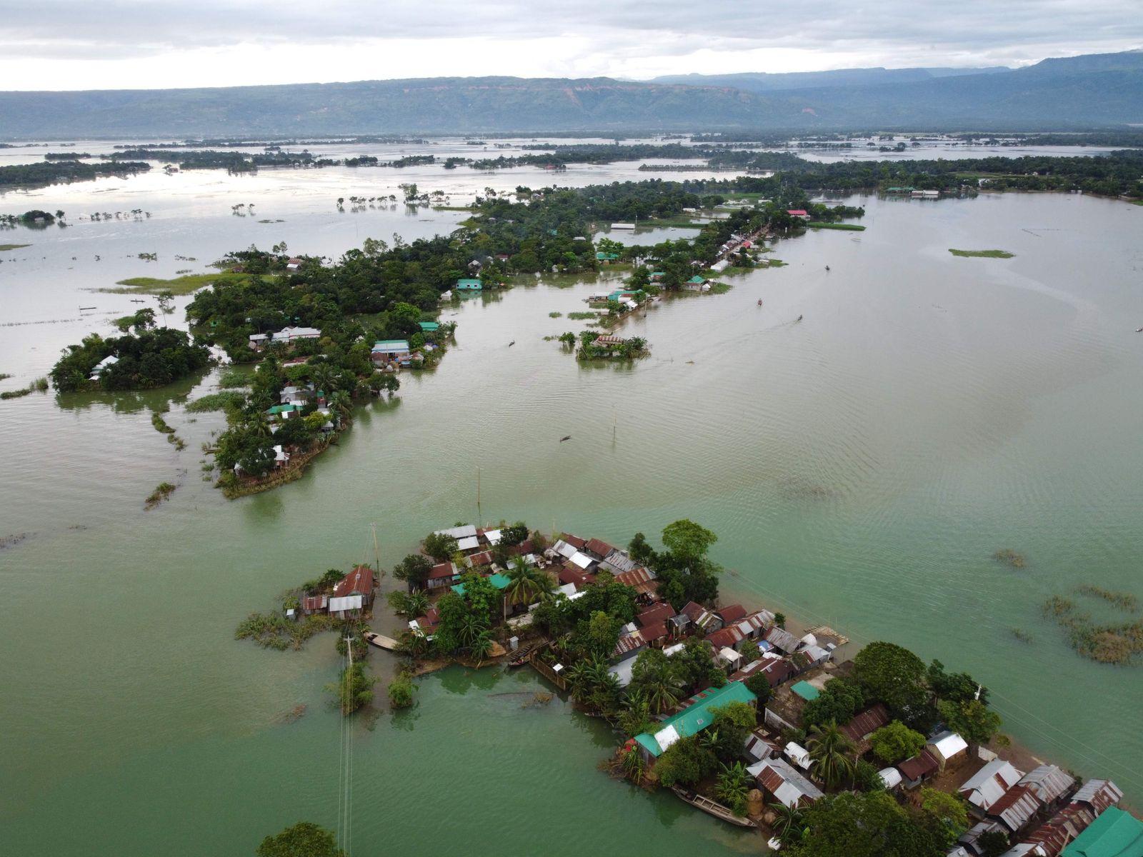BANGLADESH-INDIA-NEPAL-WEATHER-FLOOD