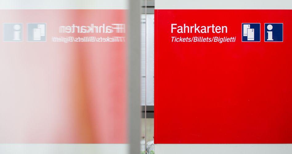 Fahrkartenautomat in Berlin: Preiskampf gegen Fernbusse