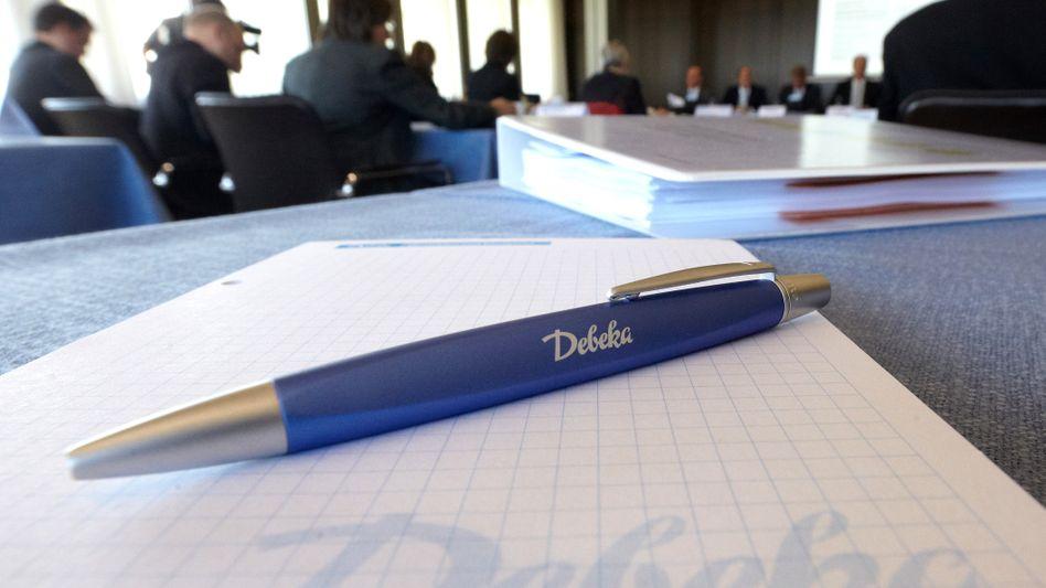 Debeka-Pressekonferenz in Koblenz: Servicepauschale ohne Service