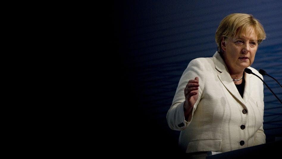 Kanzlerin Merkel (beim BDI in Berlin): Ringen um die Mehrheit