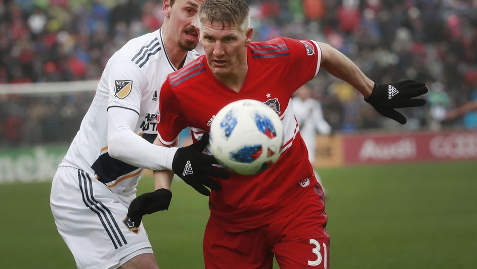 Ibrahimovic versus Schweinsteiger