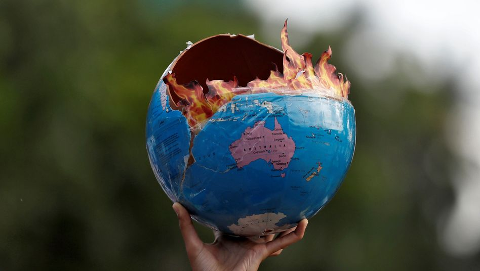 Mit jedem Zehntel Grad wachsen auch die Gefahren für uns Menschen, Opfer von Überflutungen, Ernteausfällen oder Tropenstürmen zu werden