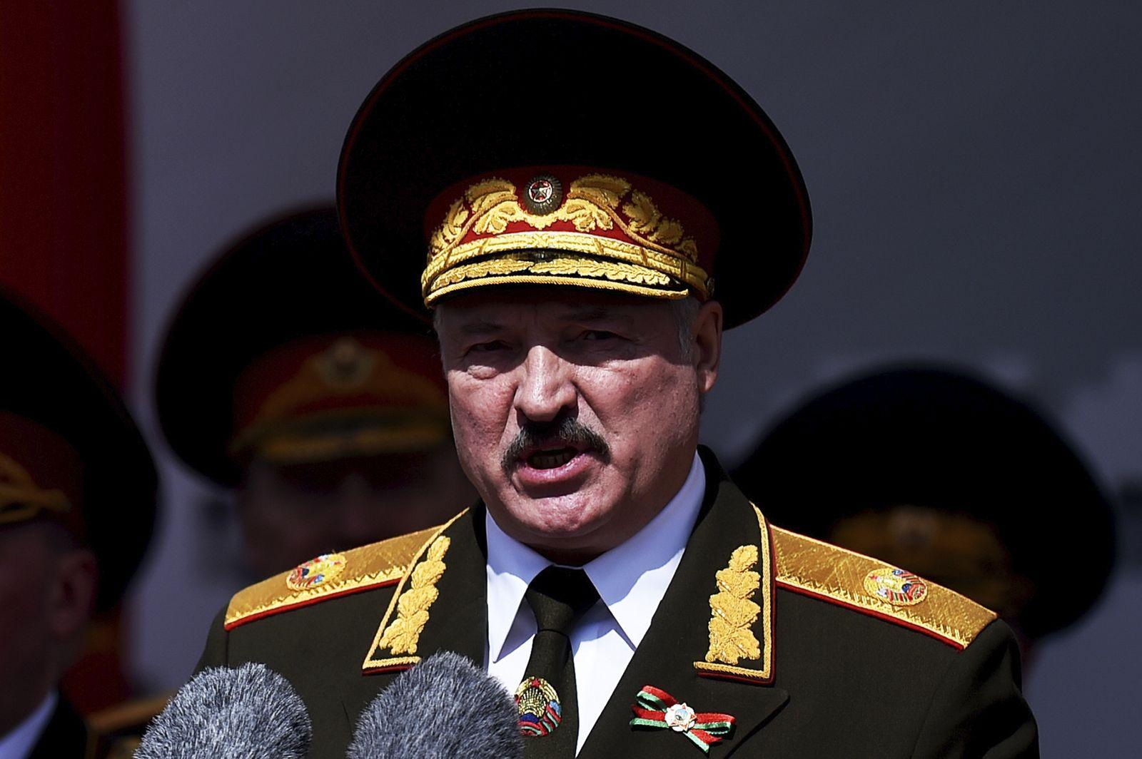Lukaschenko greift vor Wahl durch