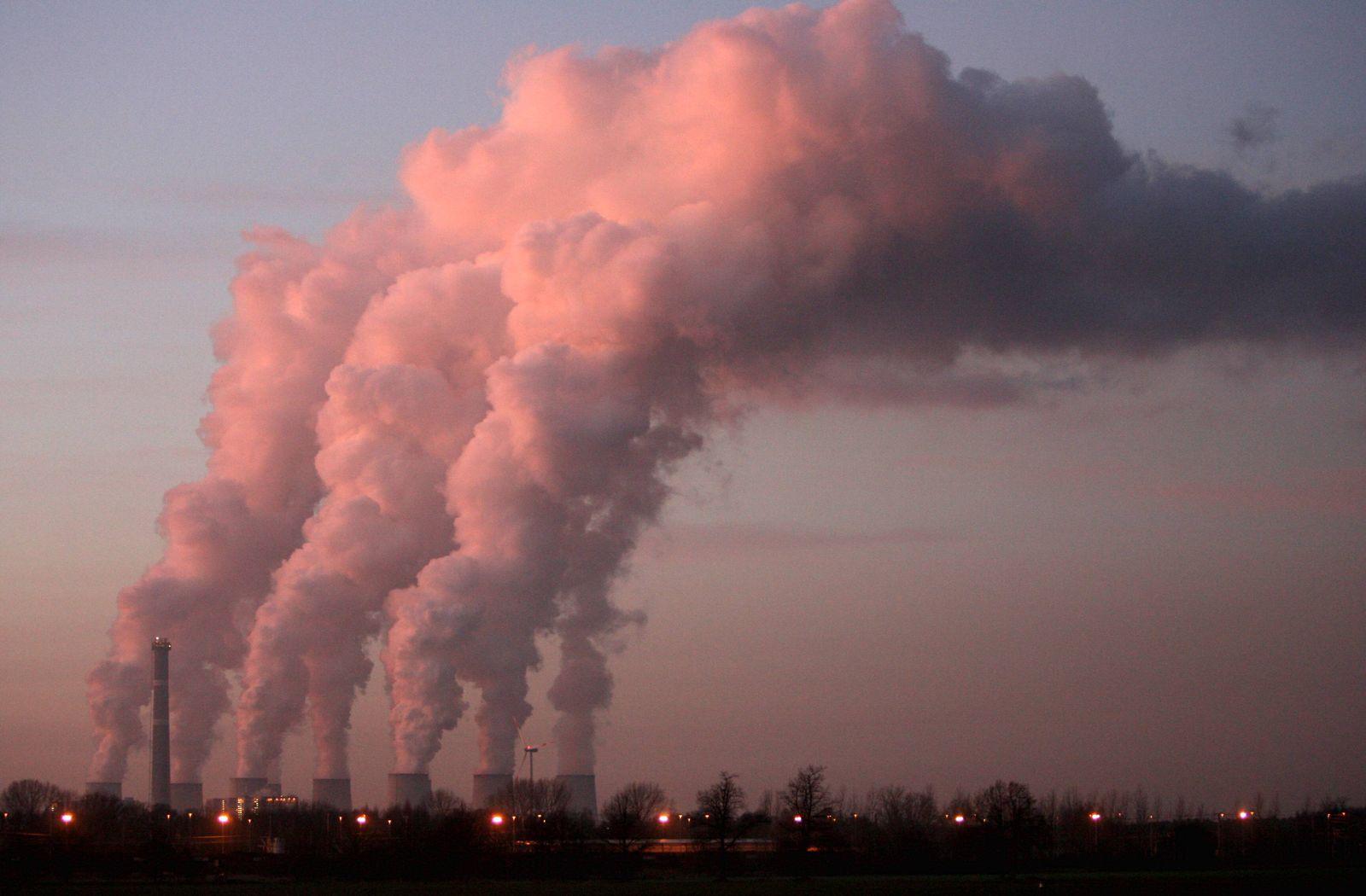NICHT VERWENDEN Klimawandel / Braunkohlekraftwerk Jaenschwalde