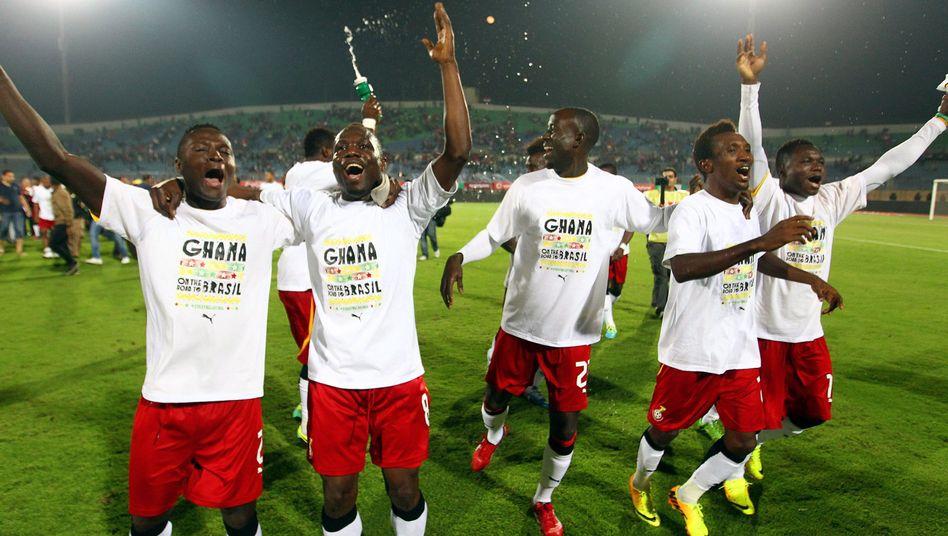 Jubelnde Nationalspieler Ghanas: Für die WM qualifiziert