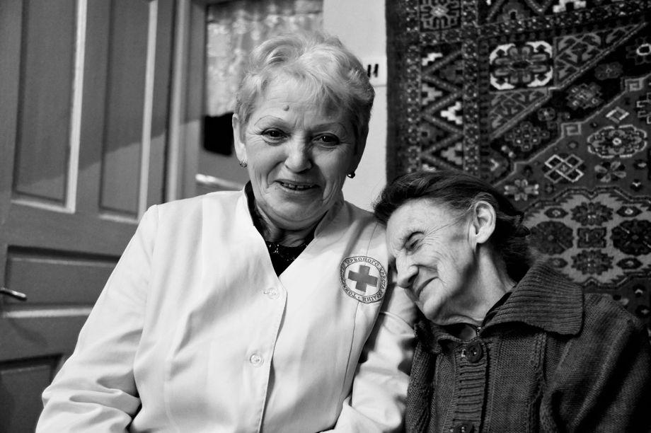 Für die älteren Klientinnen und Klienten sind die Schwestern des Projekts wichtige Bezugspersonen (Archivbild)