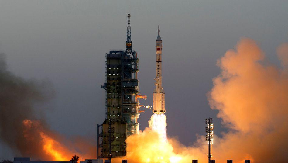 """""""Shenzhou 11""""-Start in Jiuquan"""