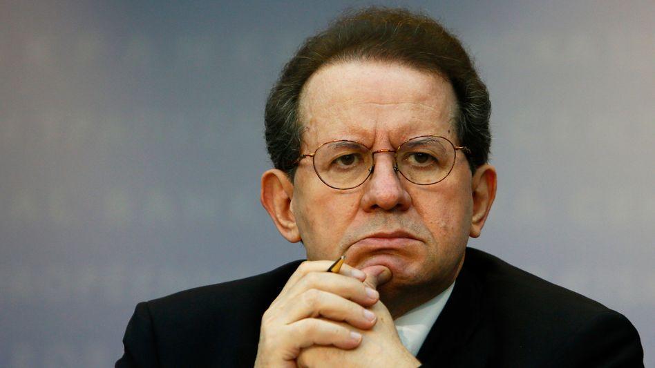 "EZB-Vize Vitor Constancio (Archivbild): ""Wachsam bleiben"""