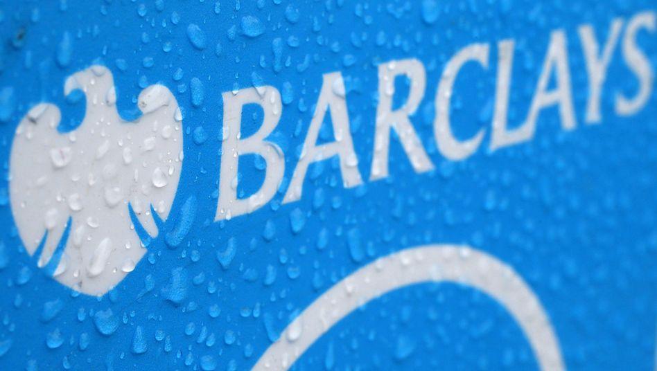 Barclays-Logo im Londoner Regen: Investmentbanking radikal verkleinert