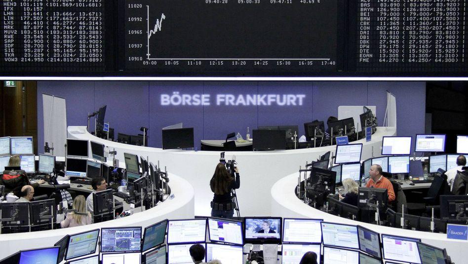 Börse in Frankfurt: Erstmals über die historische Marke gesprungen