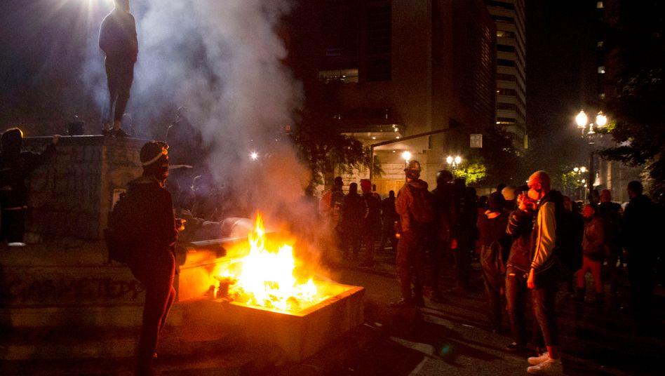 Portland, Oregon: Die Gewalt zwischen Polizei und Protestierenden eskaliert