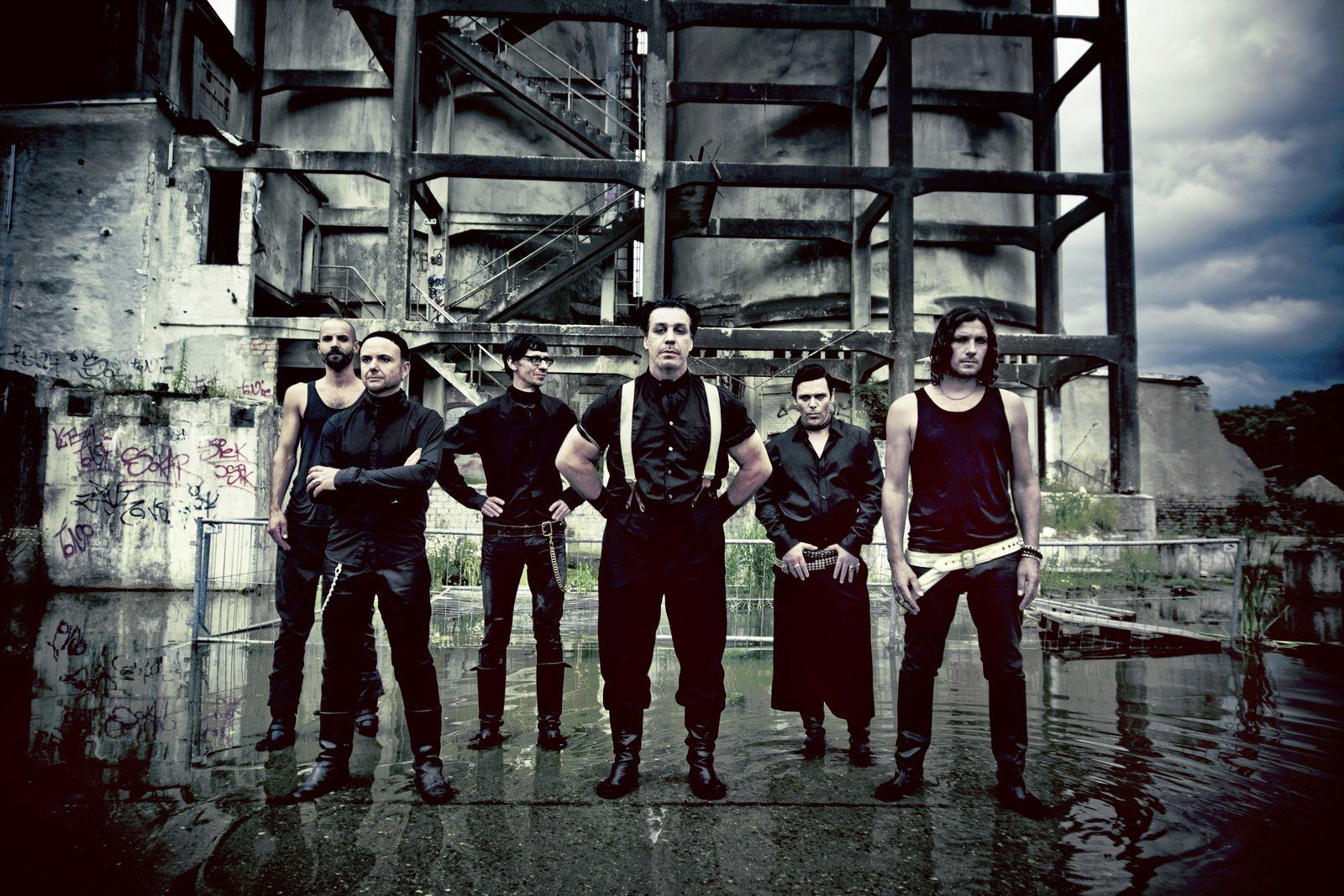 SPIEGEL 47/2009 S.120.121 Rockband Rammstein