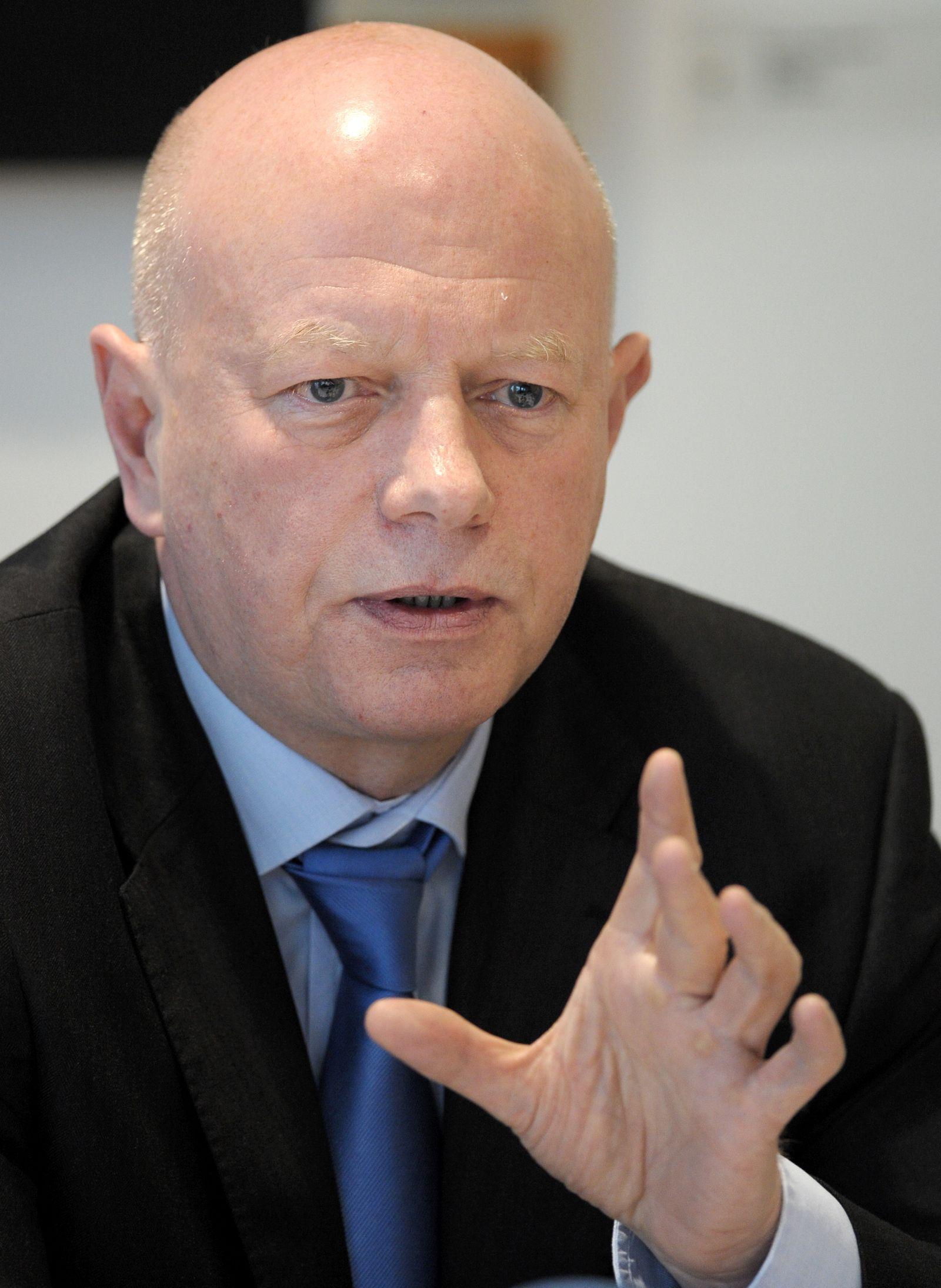 Wilfried Bos/ Bildungsforscher/ Kommission Zentralabitur sorgen