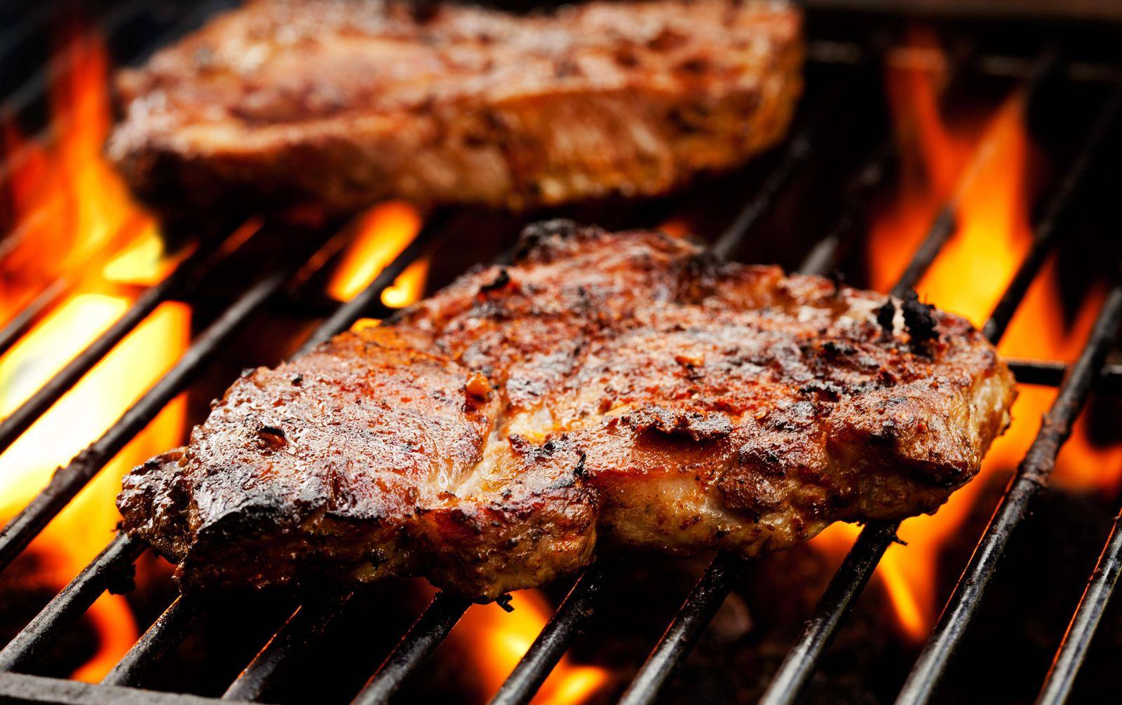 EINMALIGE VERWENDUNG Schweinefleisch / Grill