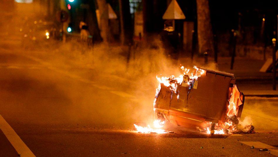 Brennender Müllcontainer in Villeneuve-la-Garenne: Schon ein kleiner Zwischenfall reicht als Auslöser