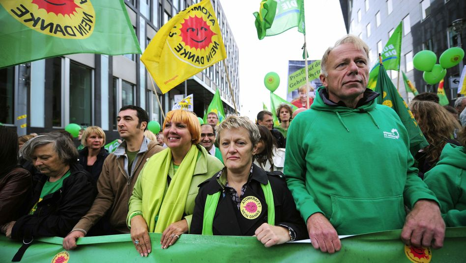 Grüne Özdemir, Roth, Künast, Trittin bei Anti-Atom-Demo: Die Angst vor der Schmollecke